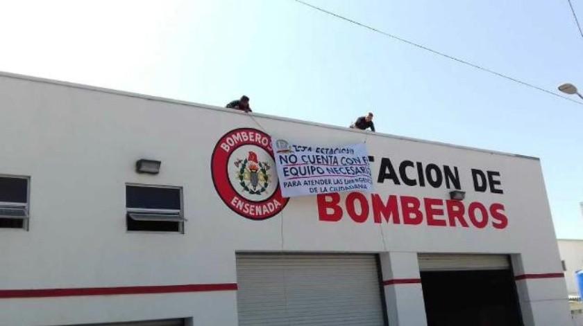 Protestan bomberos de Ensenada por falta de equipo