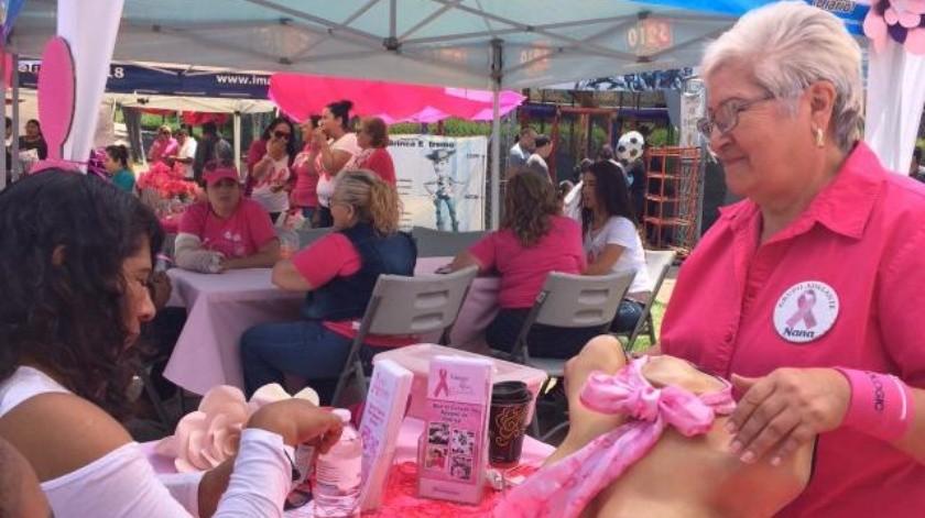 Invitan a mujeres a realizarse exámenes de detección de cáncer