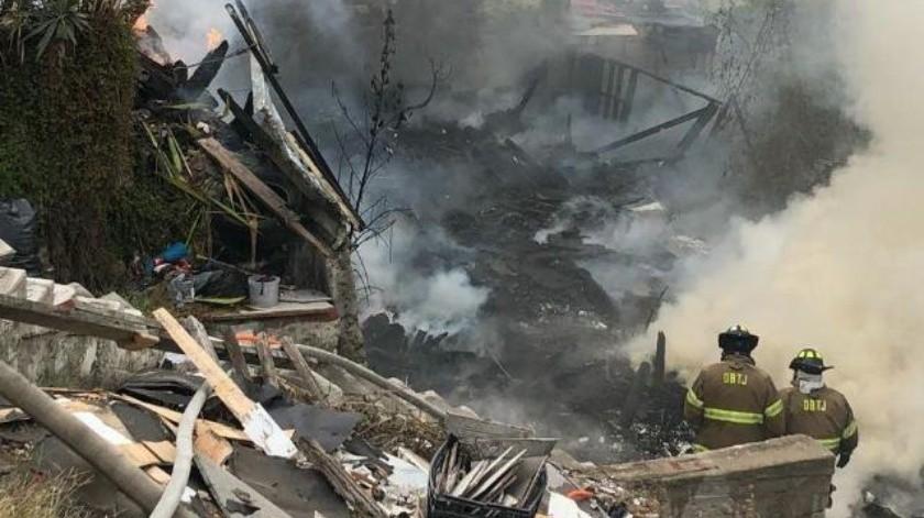 Arde 'picadero' y pone en peligro a viviendas vecinas