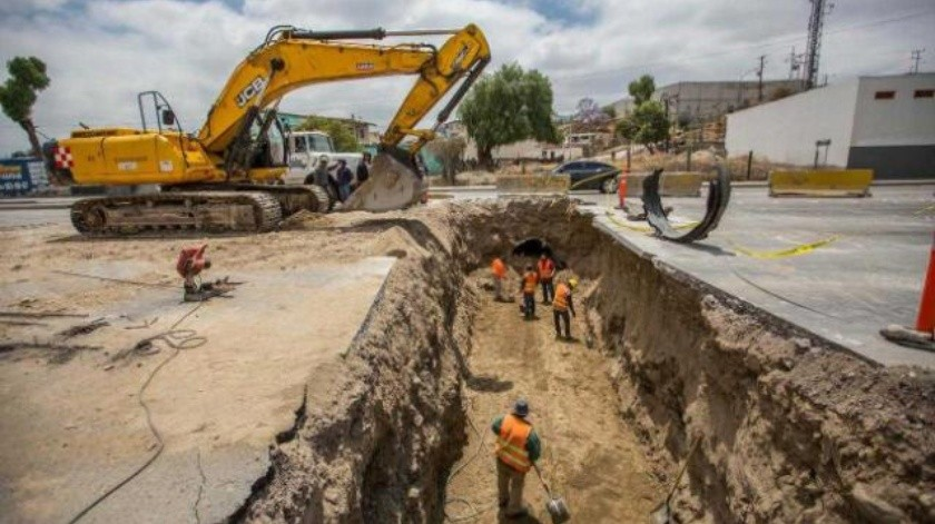 Continúan trabajos de reposición de pluviales en Vía Rápida