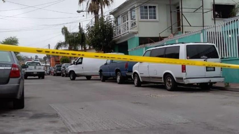 Matan a hombre afuera de vivienda en Jardines del Rubí