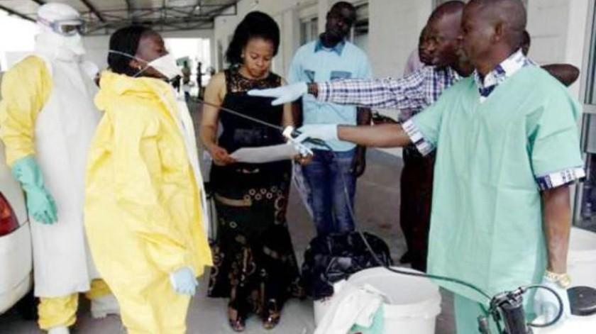 Buscan freno  a posible brote de ébola