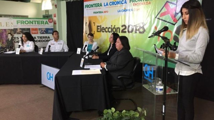 Candidatos contra caseta de cobro en Playas de Tijuana