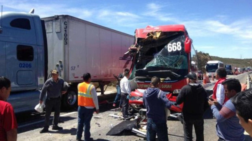 Aparatoso choque en carretera La Rumorosa-Tecate deja lesionados