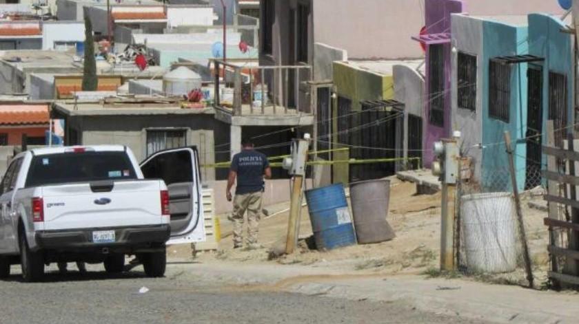 Hombre ataca a tiros a policías en Ensenada