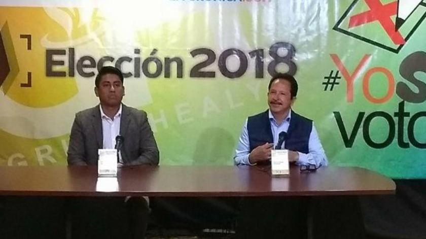 Acuden dos candidatos a foro electoral