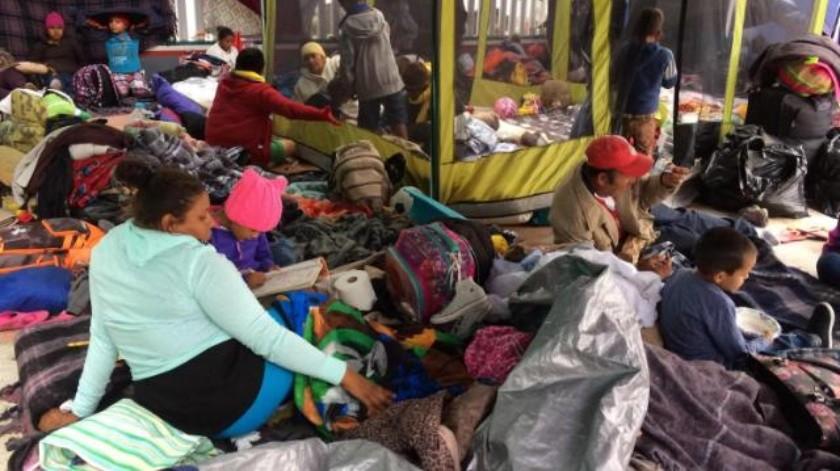Rechaza la Caravana moverse a albergues desde El Chaparral