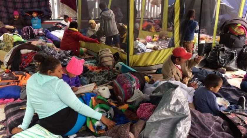 Logran 25  migrantes centroamericanos cruzar a EU en busca de asilo político