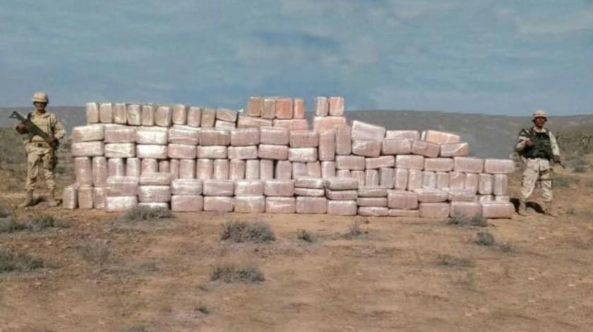 Decomisa Ejército casi dos toneladas de droga abandonadas