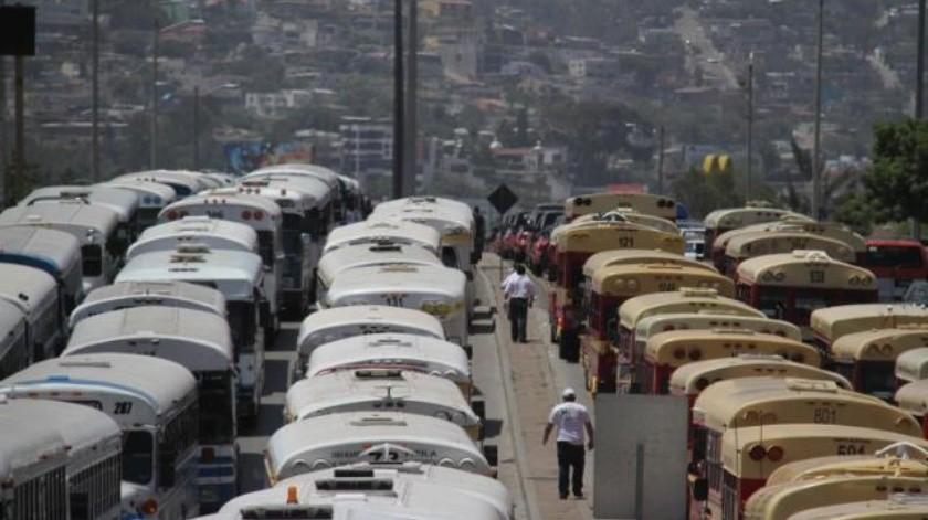Advierten transportistas con manifestación por irregularidad en sector