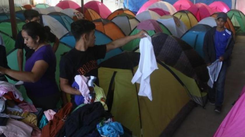 Continúa arribo de caravana de refugiados