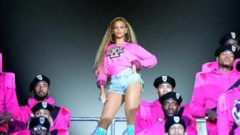 Beyoncé soprende a sus fans