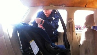 Menores de 7 años deben viajar en sillas de seguridad: PF