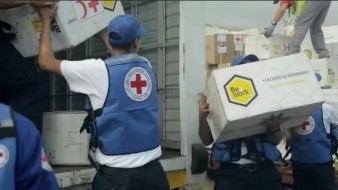 Venezuela recibe el primer envío de ayuda humanitaria de la Cruz Roja
