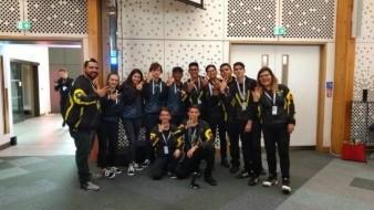 Ganan estudiantes premio en competencia Land Rover 4x4