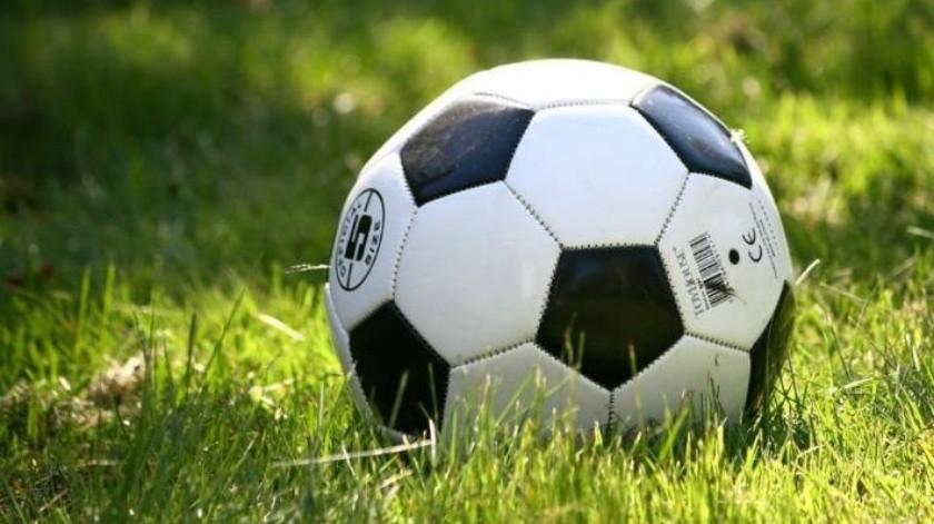 Con futbol busca alejarlos de las drogas