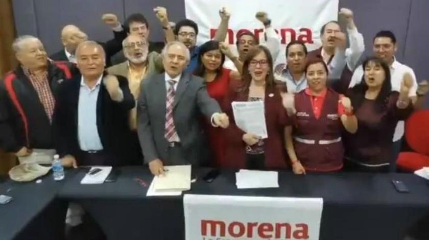Con firmas y video, Yeidckol Polevnsky reafirma candidatura de Miguel Barbosa en Puebla