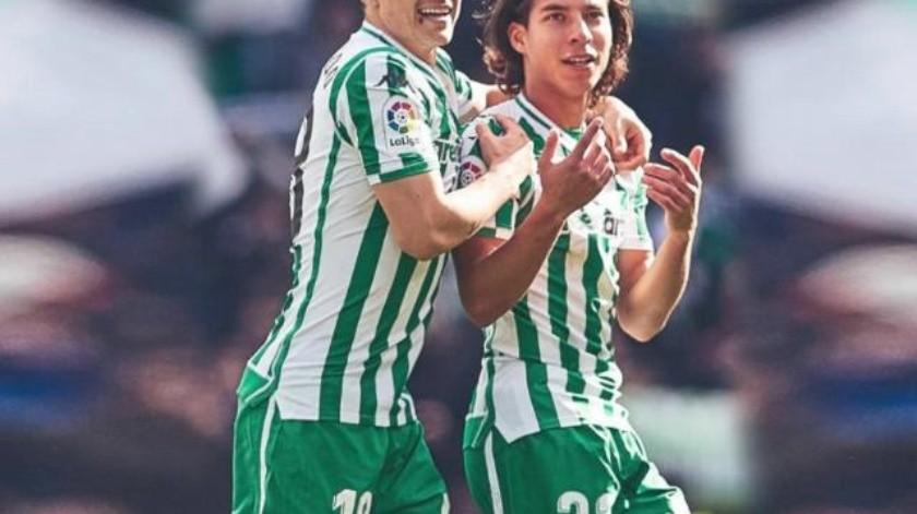 Reciben Guardado y Lainez buenas noticias del Betis para el derby de Sevilla