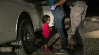 Eligen como Foto del Año la imagen de niña llorando en la frontera