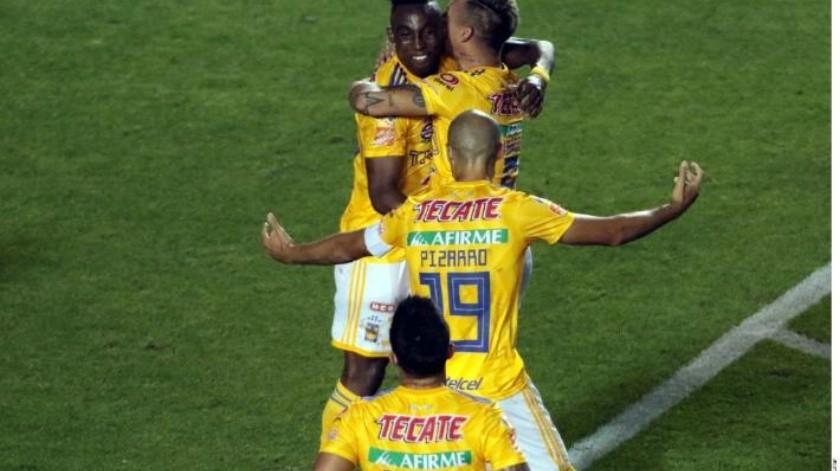 Se complican Nahuel y Tigres contra Santos pero van a final de Concachampions