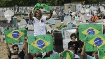 Brasil: Familias lloran a hombre que murió baleado por militares