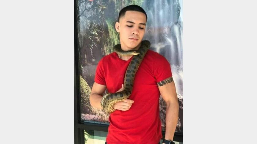 Amor por los animales ha llevado al boxeador sonorense Óscar Valdez a acondicionar un rancho para sus exóticas mascotas