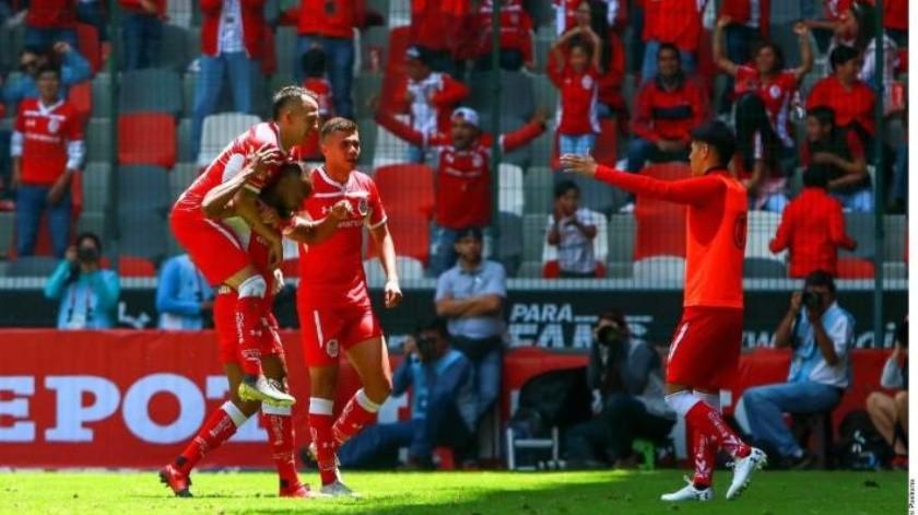 Toluca aplasta a Rayados y se coloca a cuatro puntos de la zona de Liguilla en la Liga MX