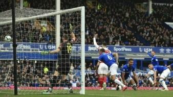 Arsenal pierde oportunidad de consolidarse en Liga de Campeones; cae ante Everton