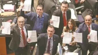 Desechan amparo del PAN, PRI, PRD y MC contra candidatos de la CRE