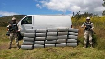 Sedena asegura 1.2 toneladas de mariguana y a una persona en Maneadero