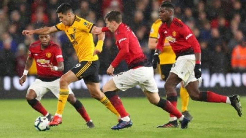 Raúl Jiménez sigue brillando en triunfo de Wolverhampton ante Manchester United