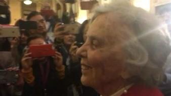 Elena Poniatowska asiste a la conferencia de AMLO en Palacio Nacional