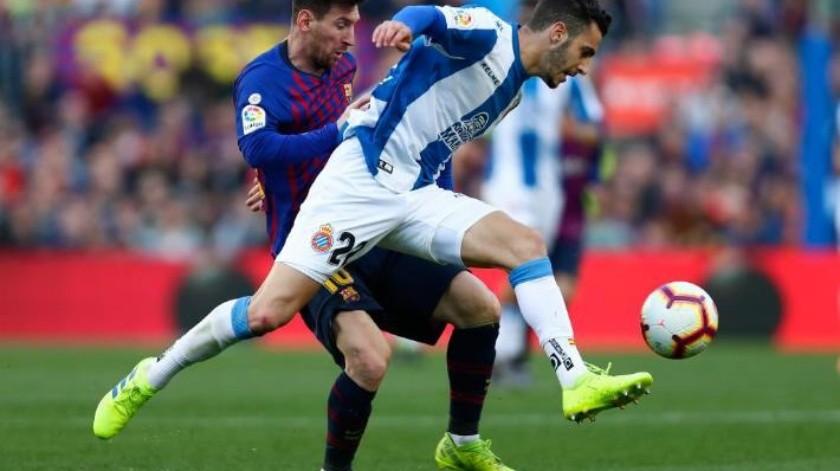 Un doblete de Messi lleva la victoria al Barcelona; vencen a Espanyol