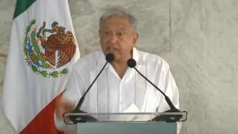 Promete AMLO justicia por masacre en Minatitlán