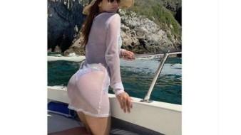 Celebra Yanet García 10 millones de seguidores con sexy traje de baño
