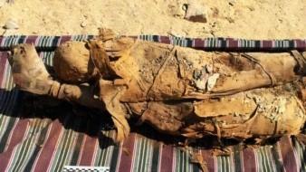 Descubren nueva tumba con momias al Sur de Egipto