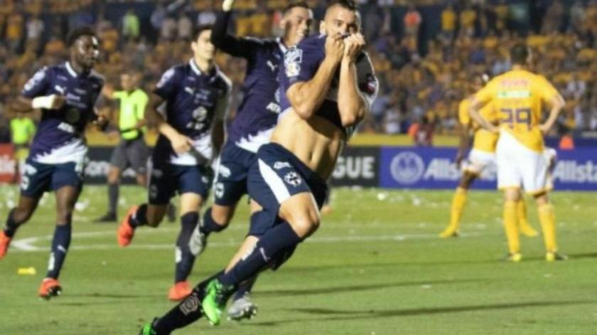 Con sabor argentino Rayados vence a Tigres en la ida de la final de Conchampions