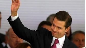 Aparece Enrique Peña Nieto disfrutando de las vacaciones ¡sin camisa!