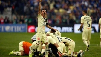 El americanista Paul Aguilar festeja 400 partidos en la Primera División