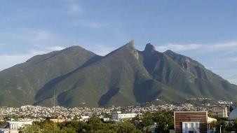 Rescatan a 4 turistas sonorenses en el Cerro de la Silla