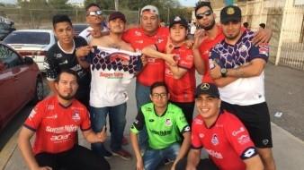 Aficionados de Cimarrones de Sonora hizo el viaje para apoyar al equipo