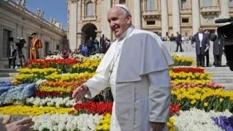 Papa Francisco dona medio millón de dólares para migrantes en México
