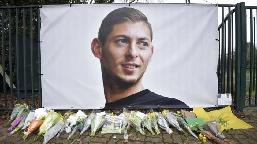 El cuerpo de Emiliano Sala habría sido vulnerado en la morgue.(AP)