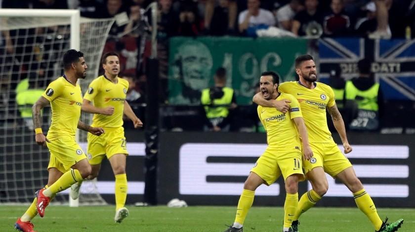 Arsenal y Chelsea quieren final inglesa de Europa League(AP)