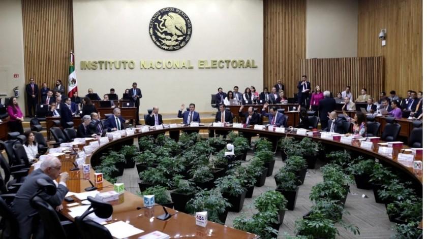 El INE no organizará elecciones internas.(GH)