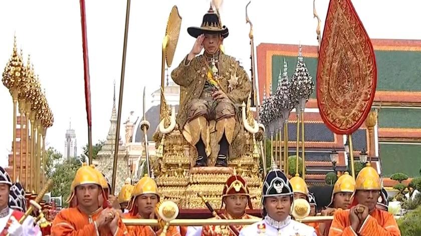 Maha Vajiralongkorn, de 66 años, fungía como monarca desde que subió al trono hace más de dos años.(AP)