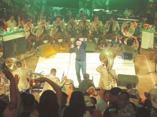 Gerardo atiborr� el Palenque de la Expogan con fans a quienes consiti� con canciones como