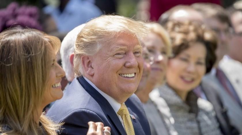 El New York Times informó el martes que los negocios de Donald Trump perdieron más de mil millones de dólares de 1985 a 1994, según la información fiscal que el periódico adquirió.(AP)