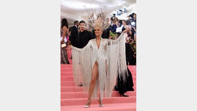 """Celine Dion llega a la gala benéfica del Instituto del Vestido del Museo Metropolitano de Arte para celebrar la inauguración de la exposición """"Camp: Notes on Fashion"""" el lunes 6 de mayo de 2019 en Nueva York. (Foto Charles Sykes/Invision/AP)(2019 Invision, Invision)"""