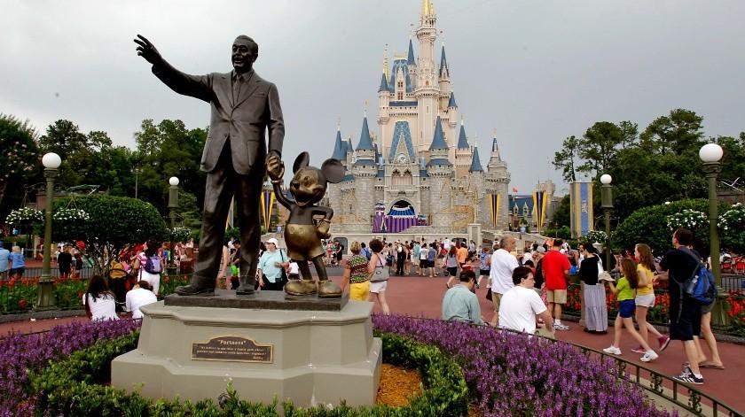 Por mariguana de la abuela multan en Disney a familia(AP)